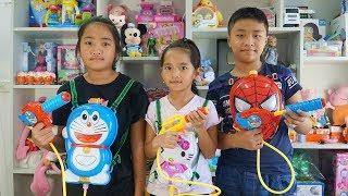 Đồ Chơi Súng Nước Ba Lô Hình Người Nhện Mèo Kitty Doremon - Water Guns Toys Backpacks