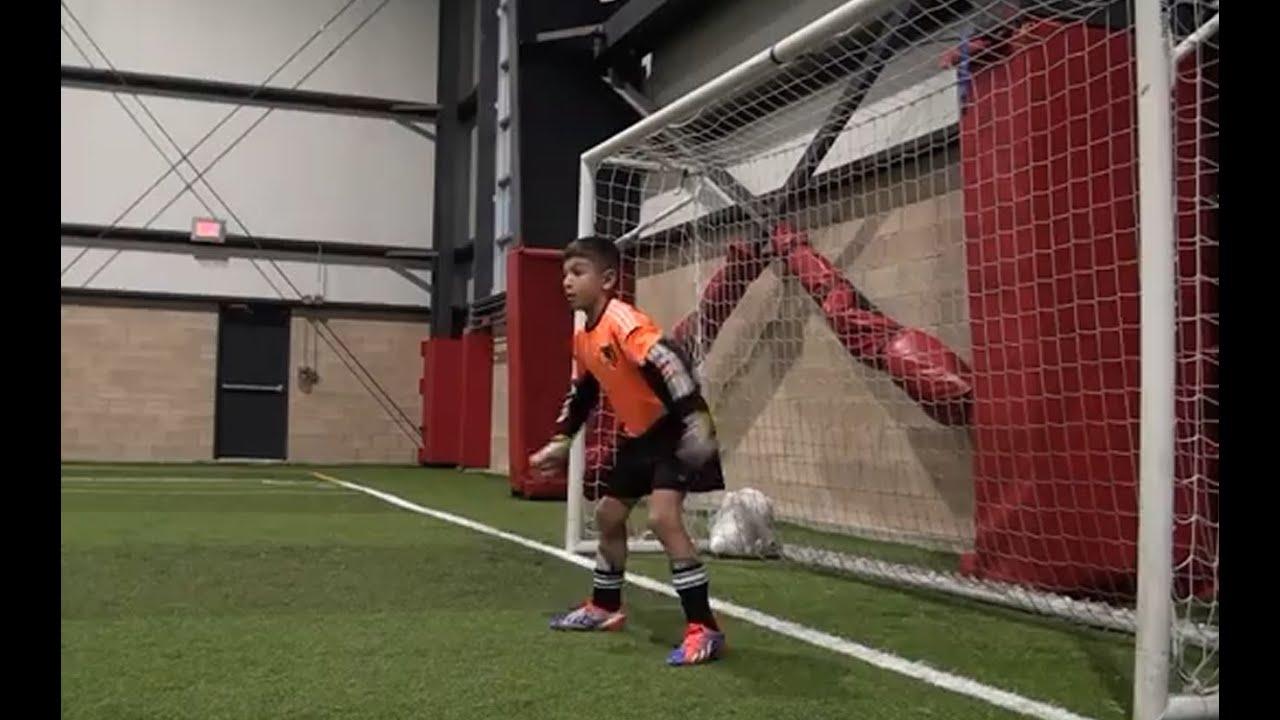 Amazing 9 year old soccer goalkeeper! Dino Bontis - YouTube