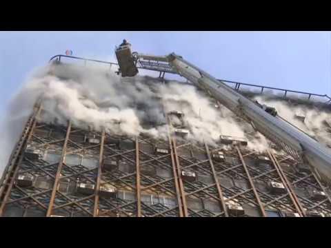 德黑蘭一高樓起火倒塌 至少數十人死傷