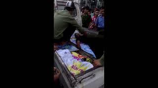 Nhân viên thegioididong bị đâm bằng dao bầu trên phố Trần Duy Hưng HN