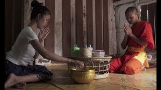 A Day In a Buddhist Temple in Luang Prabang Laos