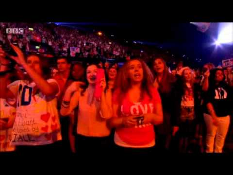 One Direction - Live While We're Young - Teen Awards 07 10 12 video