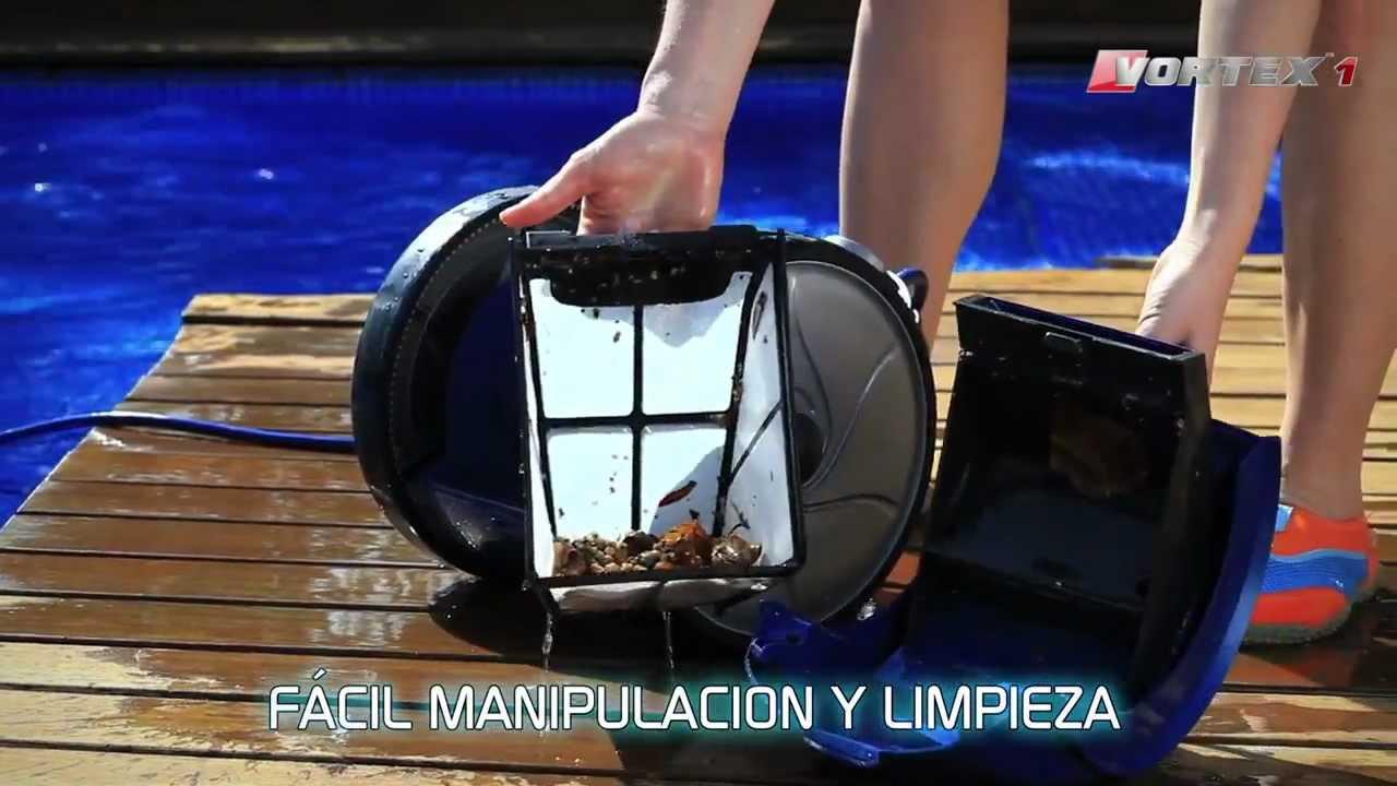 Como limpiar una piscina robot limpiafondos piscinas for Como limpiar el fondo de una piscina sin limpiafondos