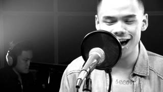 Download Lagu Man In The Mirror by Michael Jackson - Cover by Teza Sumendra (Live at #CU) Gratis STAFABAND