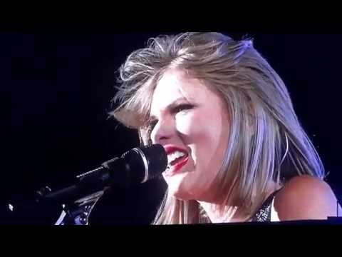 Taylor Swift - Wonderland Live