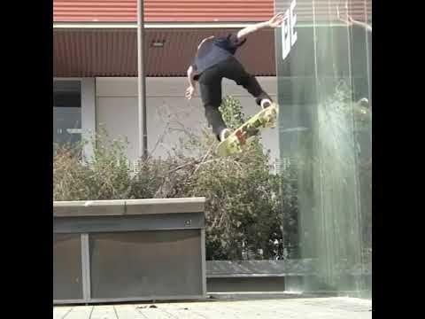 Flexing that glass @jordanmaxham | Shralpin Skateboarding