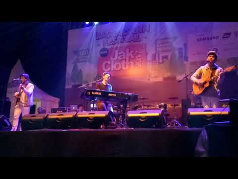 TheOvertunes - I Still Love You at JakCloth 2017