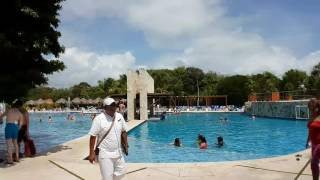 The pool bar at Grand Sirenis - 3 hours in 3 mins - Hyperlapse