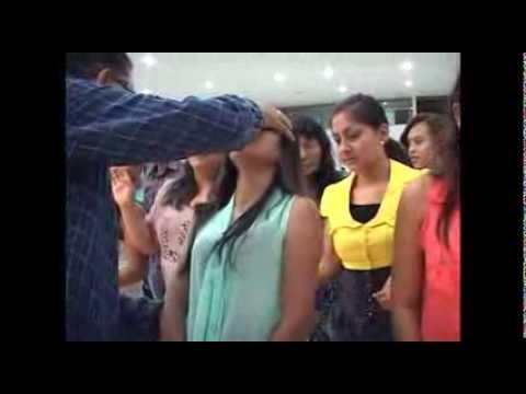 Culto de jóvenes en la Iglesia Esmirna Tarapoto