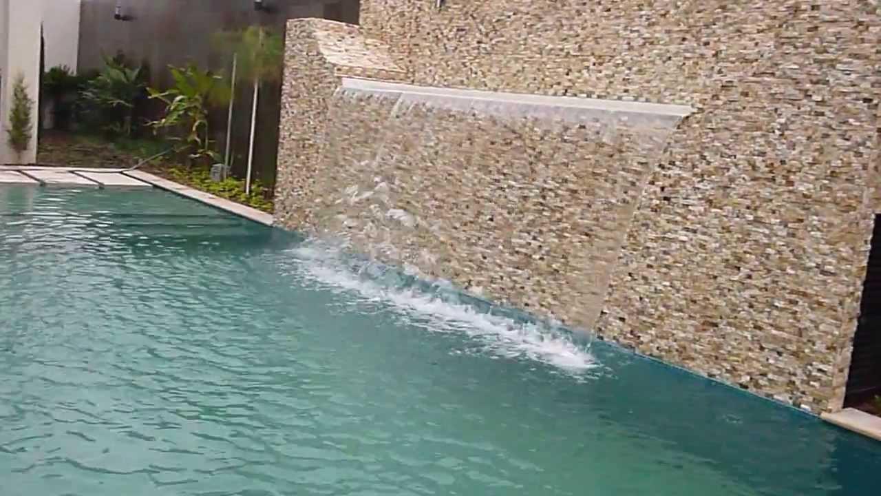 Cascada tipo manto de rebose de flujo variable youtube for Modelos de piscinas con jacuzzi