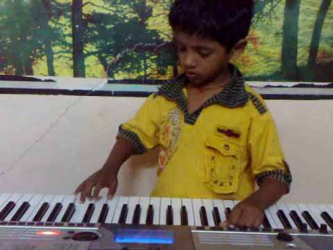 Padmesh playing Song Mundhinam Parthene from Tamil Film Varanam...
