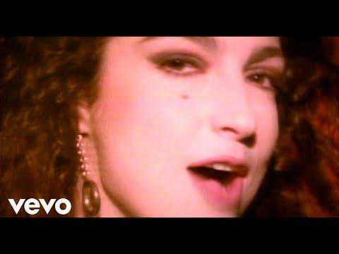 Video gloria estefan seal our fate lyrics into the light for Gloria estefan en el jardin