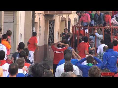 ESCALOFRIANTE COGIDA POR UN TORO EN RINCON DE SOTO LA RIOJA 29 09 2014