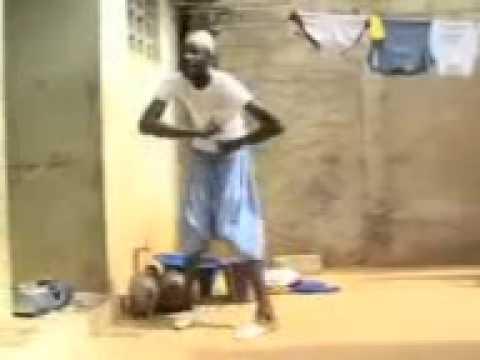 فيديو مضحك جدااا رقص افريقي على موسيقى راي جزائرية thumbnail