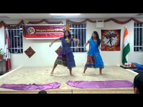 Badi Mushkil And Chane Ke Khet Mein Dance Performance video