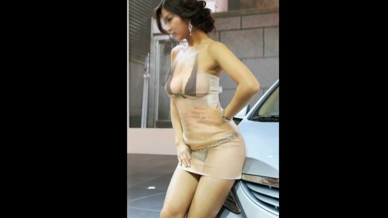 girls bare boobs moving gif