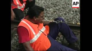 Man pulls train with teeth in world record bid