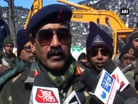 BRO begins snow clearing work in Himachal Pradesh