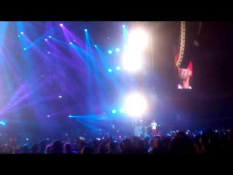 Arcangel – Me Prefieres A Mi (Movistar Arena, Chile) (Live 2016) videos