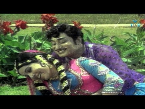 Puthi Ketta Ponnu Onnu Video Song - Sivaji Ganesan | Jayalalitha ( Anbai Thedi ) video