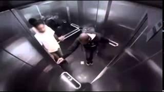 troll bị tào tháo rượt trong thang máy