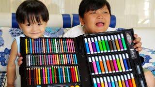 Đồ chơi trẻ em ❤Tin siêu còi mở hộp bút màu 150 chi tiết với mẹ và anh hai ❤ ❤ Kids Toy BeNo