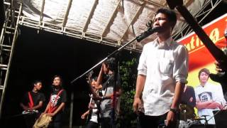 download lagu Coffe Reggae Stone - Hening Covered By The Morning gratis