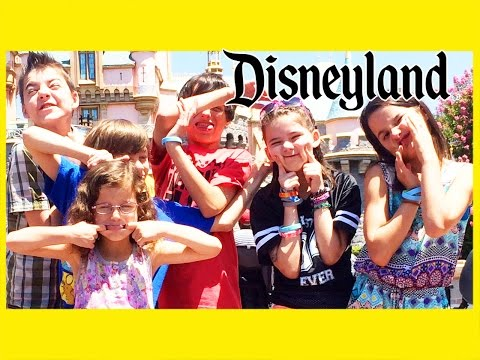 OBNOXIOUS KIDS AT DISNEYLAND!  |  KITTIESMAMA, BRATAYLEY, EVANTUBEHD, AND MOMMYANDGRACIESHOW!
