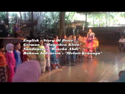 Song in angklung : story of Pieter ,