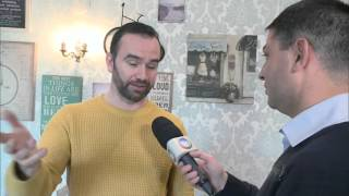 Brasileiro fica famoso por conta de entrevista de emprego no Reino Unido