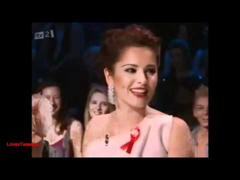 [HD] X Factor 2010 - Coleen Rooney texting Cheryl Cole and Simon Cowell.