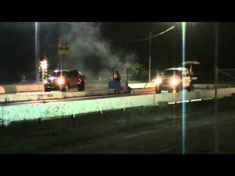 TRD Hilux vs. LS1-powered Nissan Patrol - Townsville Street Meet