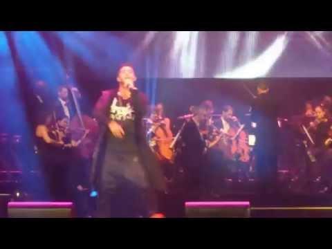 Emis Killa | Scordarmi chi ero con Orchestra - live Arena Verona