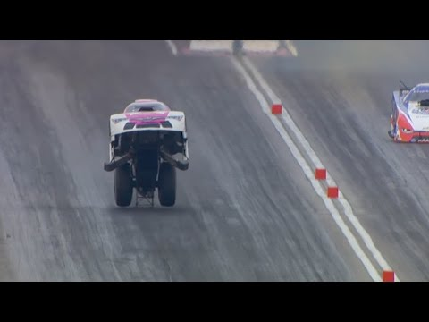 Must WATCH AMAZING NHRA Funny Car run in Las Vegas