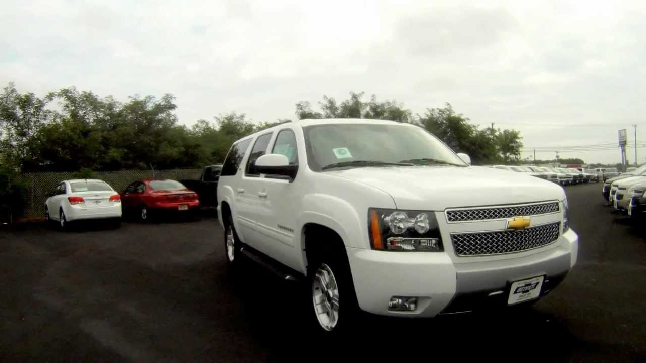 2011 chevy suburban z71 4wd summit white navigation dvd. Black Bedroom Furniture Sets. Home Design Ideas