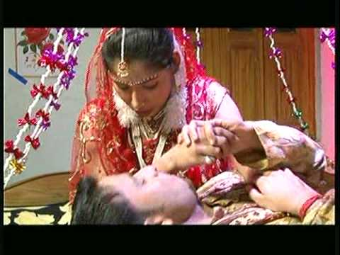 Aaj Ha Suhag Raat [Full Song] Kora Mein Utha Lihee - Bhojpuri Hot Song