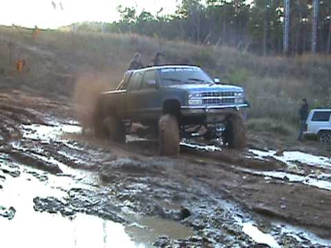 1993 Chevy Z71 On 44s No 4x4 Slick Tires And He Cant