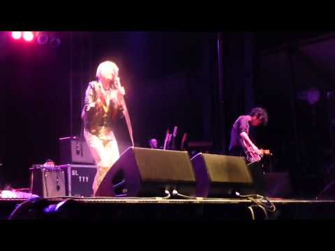 The Yeah Yeah Yeahs - Soft Shock HD @ GoogaMooga 2013, Prospect Park, Brooklyn