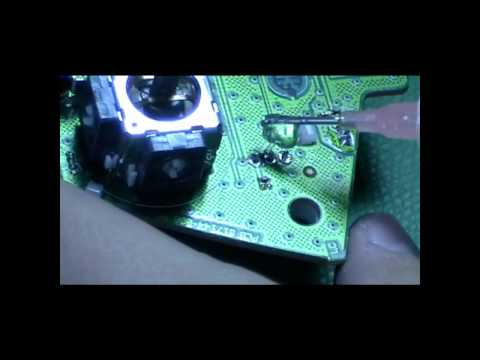 Replace your XBOX 360 controller thumbstick or trigger mechanism (1 of 3)