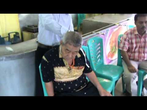 AIRBOOM Bantu Pulihkan Orang Stroke di Pekanbaru 290613 Biografi Dr Ryan Thamrin