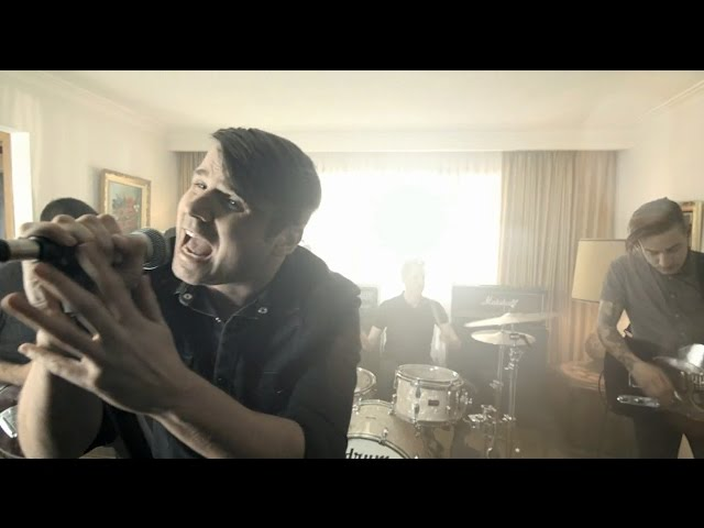 Silverstein - A Midwestern State Of Emergency (New album available 05.19.15)