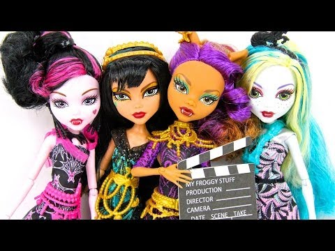 Doll Review: Monster High: Frights. Camera. Action   plus Doll Collection Updates & 2 Quick Crafts