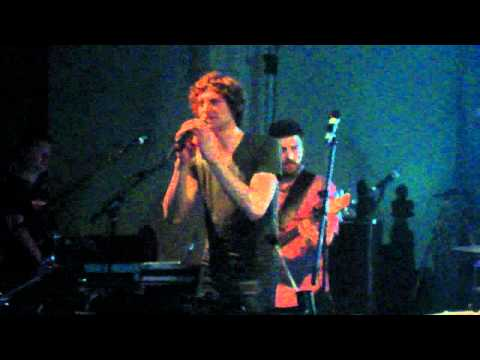 Somebody that I used to know - Gotye. London 31/10/11 Music Videos