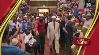 Arnab Goswami caught lying! Watch how Malaysia WELCOMES Dr Zakir Naik