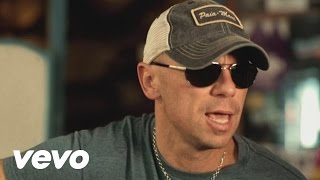 Watch Kenny Chesney When I See This Bar video