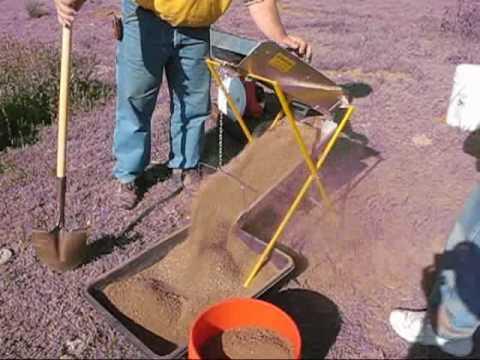 Gold Prospecting Drywasher Drywashing Part 3