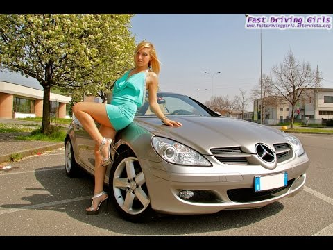 Fast Driving Girls - Blondie driving Mercedes SLK (V055)