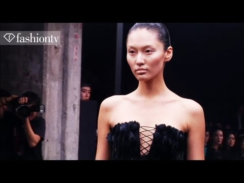 Alexander McQueen Winter 2012 Fashion Show in Beijing [Sarah Burton] | FashionTV - FTV