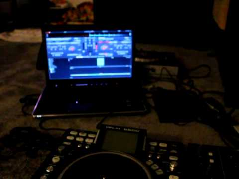 Denon DN-X600 with Virtual DJ Pro