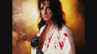 Watch Alice Cooper Steal That Car video